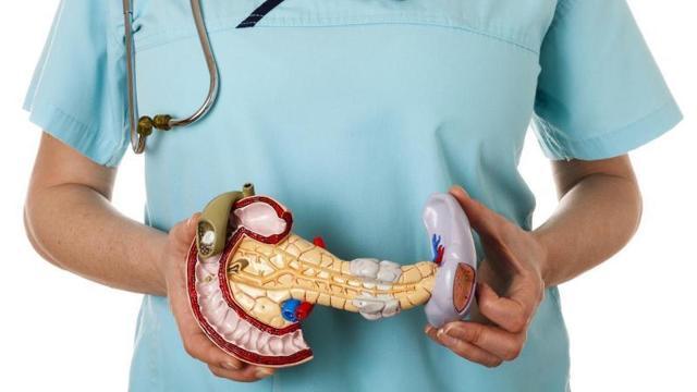 Запор при панкреатите: что делать и как избежать повторения?