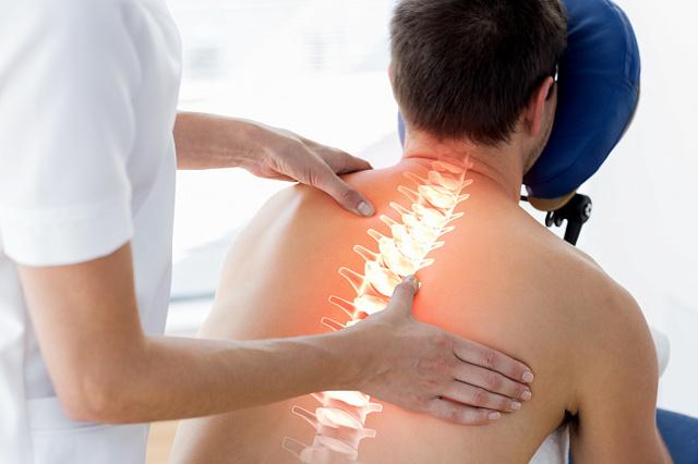 Смещение позвонков грудного отдела: симптомы и лечение