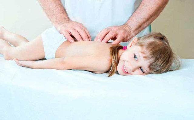 Физиотерапия при сколиозе: виды процедур, проведение