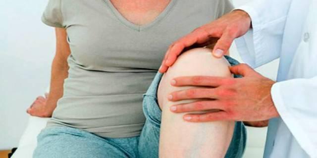Хруст в коленях при сгибании и разгибании: лечение и причины