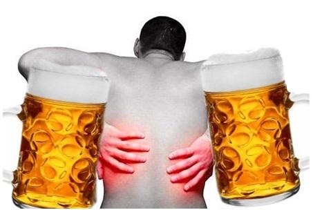 После алкоголя болит поясница: причины и лечение
